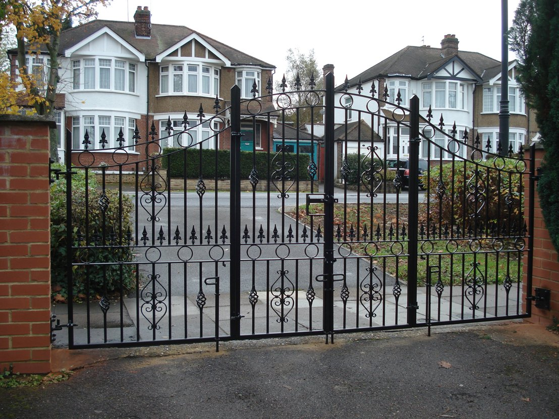 Gallery Of Short Bi Fold Gates View On Kpengineering Co
