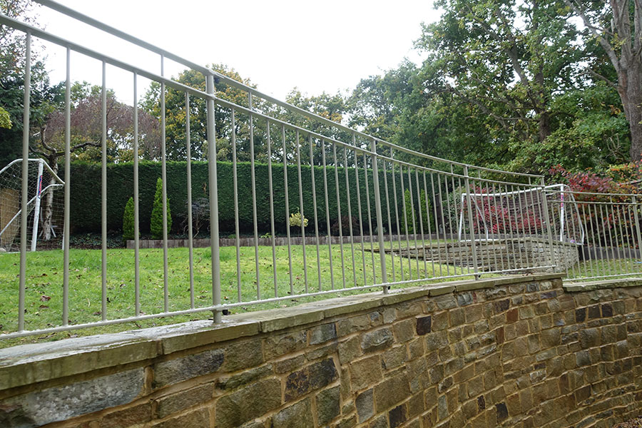 Metal gates and iron Railings in Feltham