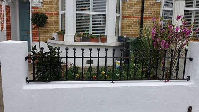 wall top railing whitechapel