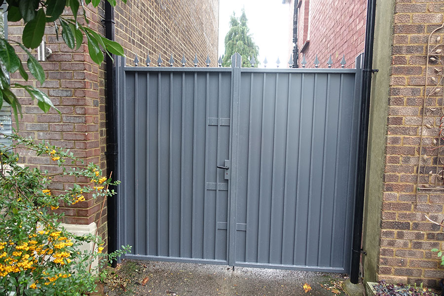 Metal Gates and Iron Railings in Finchley District