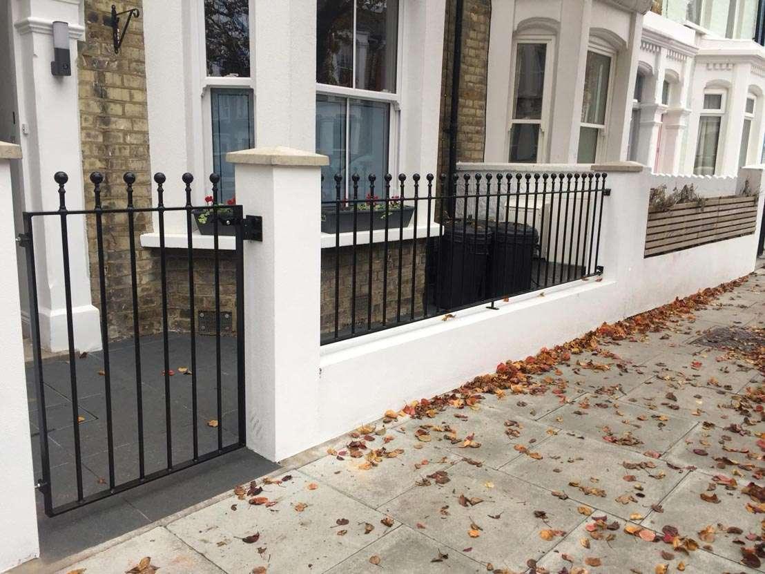 gates and metal railings for ascot