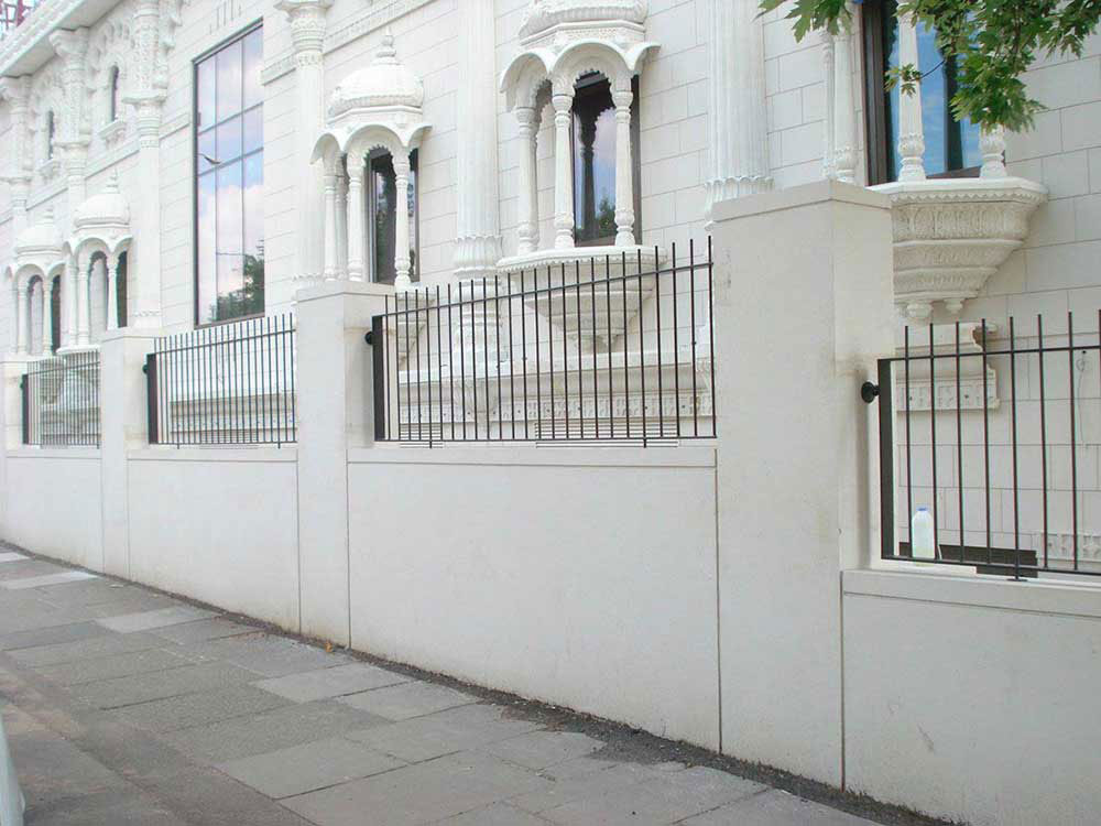 abbey wood metal railings and gates
